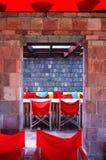 豪华金黄岩石旅馆在尼维斯岛的加勒比岛 免版税库存照片