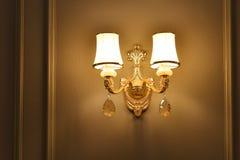 豪华水晶墙壁照明设备 免版税库存照片