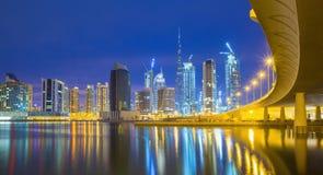 豪华scyscrapers在迪拜的中心, Unidet阿拉伯人酋长管辖区 免版税库存照片