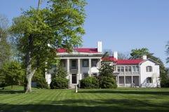 豪宅南部的样式白色 免版税库存照片