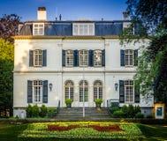豪宅在Voorburg,荷兰 免版税图库摄影