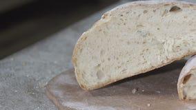 贝克切热的新鲜面包 慢的行动 股票录像