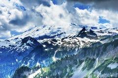 贝克山冰川通过云彩艺术家点华盛顿 图库摄影