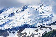 贝克山冰川通过云彩艺术家点华盛顿 免版税库存照片