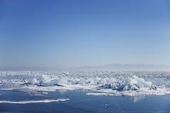 贝加尔湖冰漂泊 33c 1月横向俄国温度ural冬天 免版税库存图片