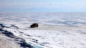 贝加尔湖冻结的湖 免版税库存照片