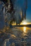 贝加尔湖惊人的稀奇的冰流程  免版税库存图片