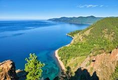 贝加尔湖湖 从峭壁的看法 免版税库存照片