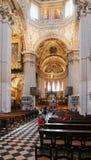 贝加莫,意大利- 2017年8月18日:贝加莫` s大教堂二圣玛丽亚Maggiore,华丽金内部 图库摄影
