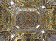 贝加莫-大教堂圣塔玛丽亚Maggiore圆屋顶  免版税库存照片