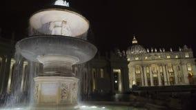 贝尔尼尼喷泉在圣伯多禄的广场,梵蒂冈在罗马,意大利地标 股票录像