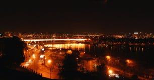贝尔格莱德桥梁晚上视图 免版税库存图片