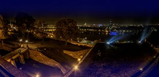 贝尔格莱德,塞尔维亚全景夜视图  库存照片