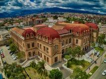 贝尼尼奥Malo高中鸟瞰图在昆卡省,厄瓜多尔 库存图片