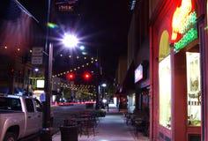 贝而维尔, IL— 2017 11月9日,街市购物区在圣徒Clair县伊利诺伊点燃 免版税图库摄影