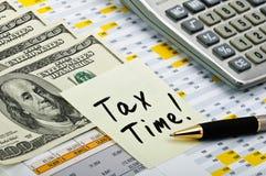 财务表单贴纸税时间 库存图片