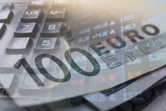 财务,开户概念 欧洲硬币,美元钞票特写镜头 财政系统的抽象图象与有选择性的 库存图片