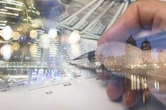 财务,开户概念 欧洲硬币,美元钞票特写镜头 财政系统的抽象图象与有选择性的 免版税库存图片