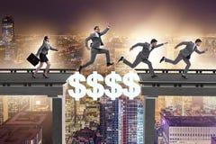 财政概念横渡的美元桥梁 图库摄影