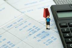 财政预算、债务、税或者集合金钱目标概念, miniatu 库存照片