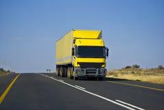 责任拖拉大量长的运输 库存图片