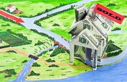 货币之家和签署被出售的 免版税库存照片