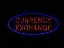 货币兑换霓虹灯广告 免版税库存照片