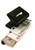 货币穿孔机 免版税库存图片