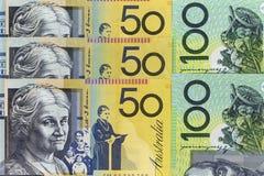 货币钞票横跨框架澳大利亚元在各种各样的衡量单位传播了 免版税库存照片