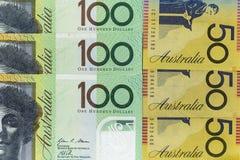 货币钞票横跨框架澳大利亚元在各种各样的衡量单位传播了 免版税库存图片