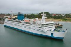 货物乘客船在海口 图阿马西纳,马达加斯加 免版税库存图片