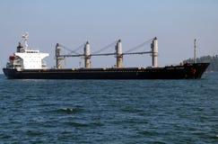 货物海岛月桂树船 免版税库存图片