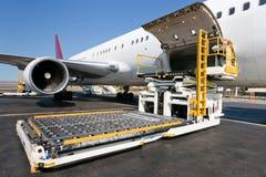 货物装载飞机 免版税图库摄影