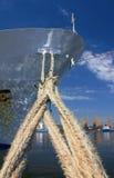 货物靠码头的船 免版税图库摄影