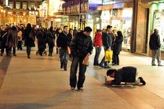 贫穷在马德里西班牙。 库存图片