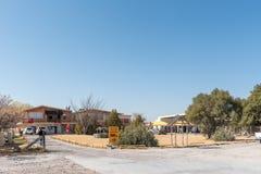 购物中心和加油站在Koopmansfontein 免版税库存照片