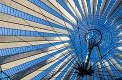 购物中心的天花板在Potsdamer platz,柏林,德国的 免版税库存图片