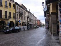 购物中心的被铺的街道在帕多瓦意大利 图库摄影