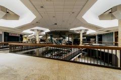 购物中心-被放弃的Randall公园购物中心-克利夫兰,俄亥俄 库存照片