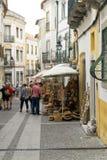 购物在埃武拉的大街的未定义游人 库存照片
