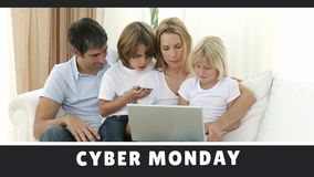 购物在网上在膝上型计算机的星期一网络文本和家庭 股票视频