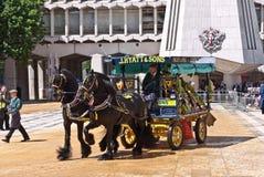 购物车标号仪式市政厅围场伦敦。 库存照片
