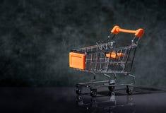 购物车空的购物 免版税库存照片