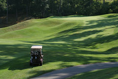 购物车路线高尔夫球早晨 免版税图库摄影