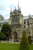 贵妇人门面notre巴黎后方 库存照片