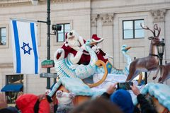 费城, PA - 2017年11月23日:每年感恩天游行的圣诞老人在中心城市费城, PA 免版税库存图片