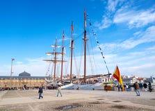 费罗尔半岛,西班牙- 2月16 : 西班牙海军胡安塞巴斯蒂安de Elcano 库存图片