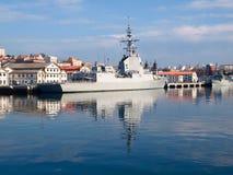 费罗尔半岛, SPAIN-FEBRUARY 16 : 大型驱逐舰F-103 免版税库存图片