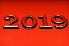 贺卡设计在红色字法的模板金子2019年 免版税图库摄影