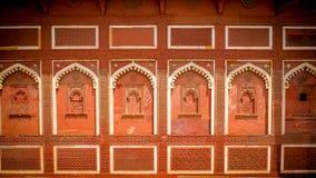贾汉吉尔宫殿的墙壁在阿格拉,印度 免版税库存图片